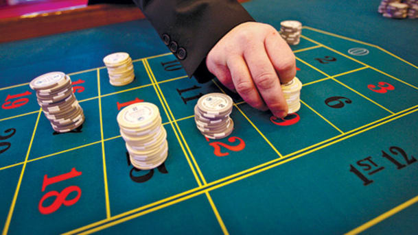Assistance on Online Card Games and also Poker Tips