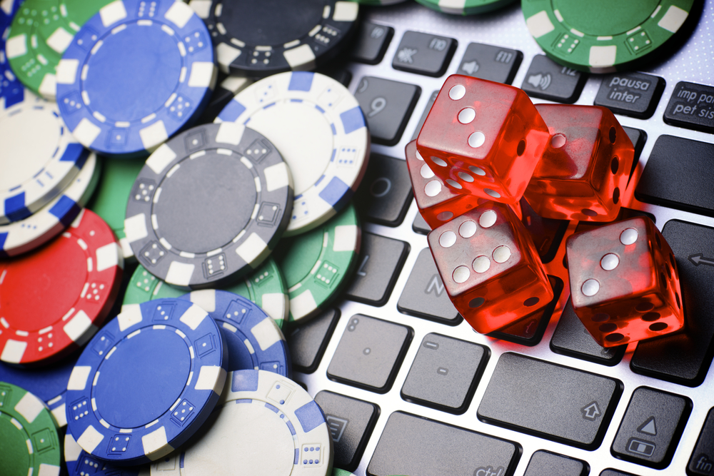 How to get bonus in online Roulette with real money? Describe it.